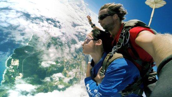 關島高空跳傘 SKYDIVE